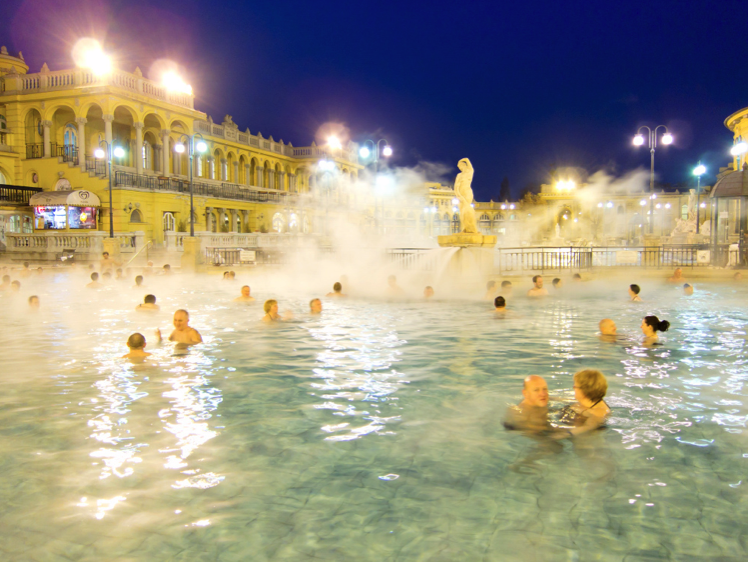 Late opening hours at Szechenyi Spa Baths